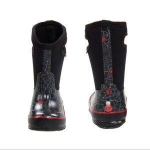 Creepy Crawl Bog Boots 🕷